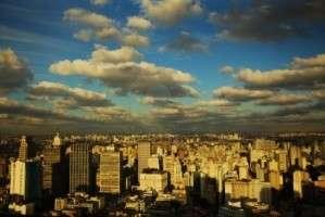 A tres años del cepo cambiario en Argentina, el sector inmobiliario vive su crisis más prolongada